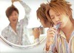 Hayo sikat gigi yg bersih Tackey-kun! Loh ko ada Tsubasa?? *pura-pura bego*