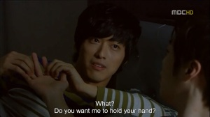 dong_joo_jun_ha_hand_holding